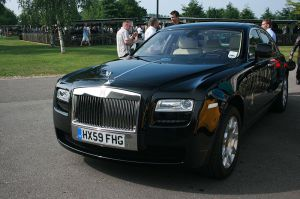 Rolls-Royce_Ghost_-_the_new_'baby'_Rolls_-_Flickr_-_Supermac1961 (1)